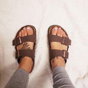 ⭐HOST PICK ⭐Birkenstock Arizona sandals